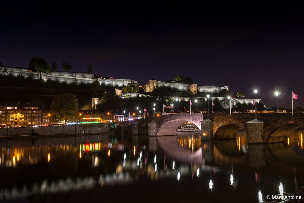 La citadelle et sont nouvel éclairage. Le pont de Jambes sur la Meuse